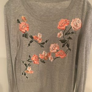 Thin long sleeve sweater floral embroidery